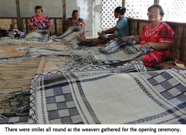 Weavers gathered for the opening ceremony